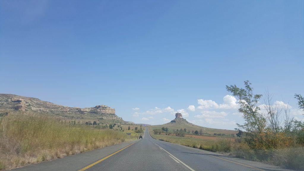 South Africa in 2 weeks - Highway driving near Clarens