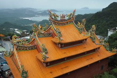 Ornate temple roof in Juifen