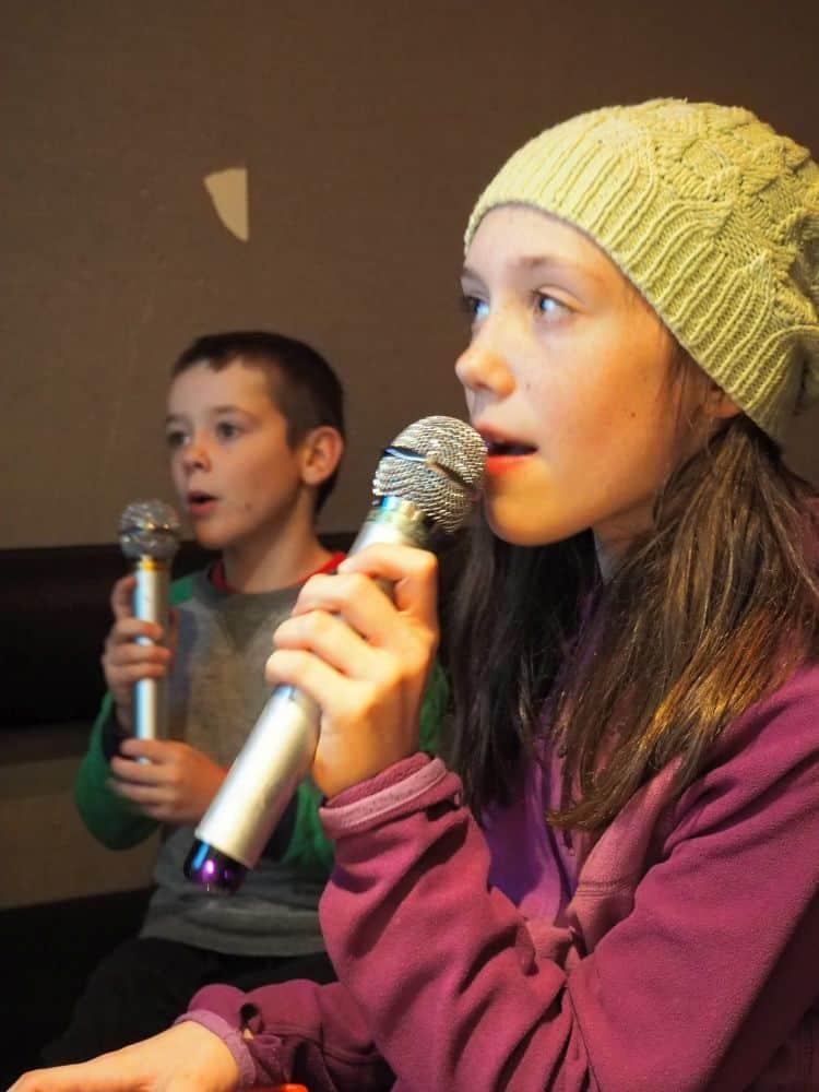 Karaoke with kids, Tokyo