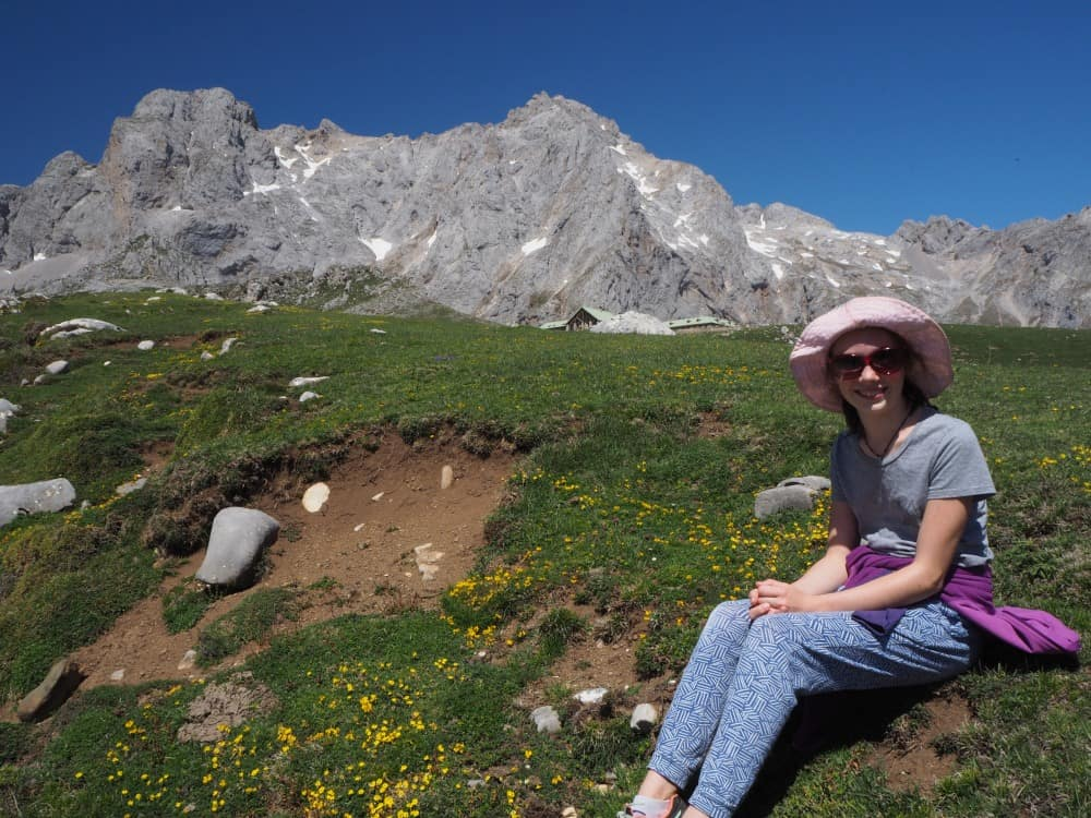 Hiking in Picos de Europa with kids. Valley of wildflowers